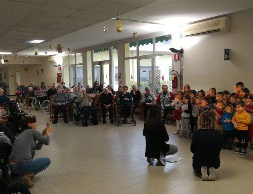 """Quisisana Ostellato: Auguri di Natale dei bambini della Scuola Materna """"Colombani Navarra"""""""